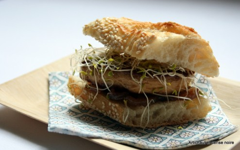 Sandwich foie gras, confit d'oignon au Maury