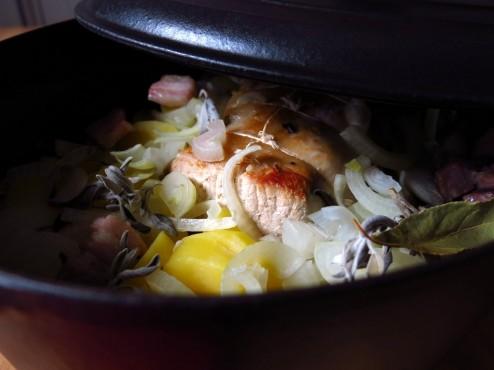 Rôti de porc aux pommes de terre et à la sauge