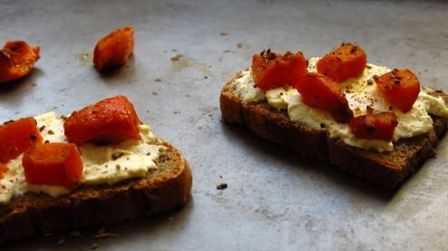 tartines de fromage frais au potimarron confit
