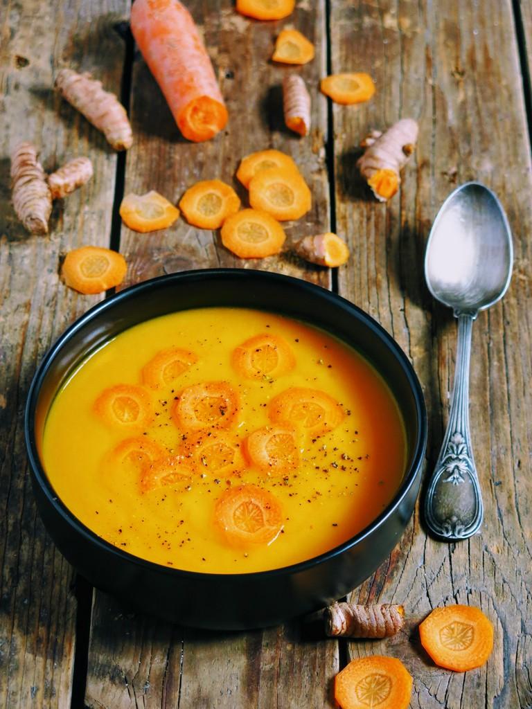 soupe de carotte au curcuma et à la butternut